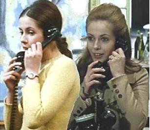 """Telefon daheim wie Christine Darbon? Nein, im Bristro wie Christine Doinel in """"Domicile conjugal""""."""