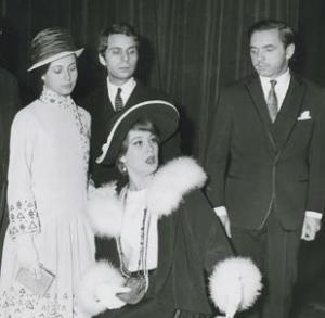 "Claude Jade, Elie Pressmann, Luce Garcia-Ville und André Falcon in Sacha Pitoëffs ""Henri IV"""