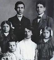 Inessa und Kinder 1909 in Brüssel