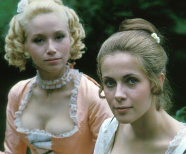 Lyne Chardonnet übernimmt die von Claude abgelehnte Rolle der Arabelle.