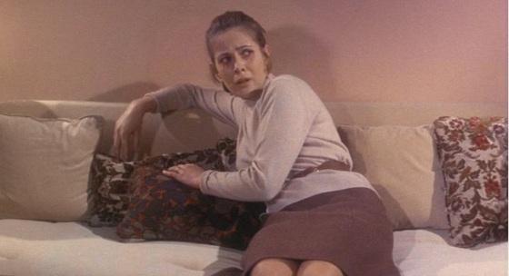 Sollte das Bett aus dem Roman der Rückbank einer Limousine ähneln? Hitchcock: