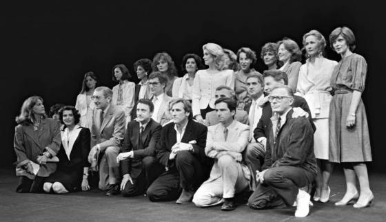 Claude Jade (r.) und Delphine Seyrig (3.v.r.) in Cannes 1985