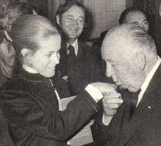 Claude Jade, Philippe Noiret, Alfred Hitchcock, september 25 1969, Plazza Athénée, Paris, Officier des Arts et des Lettres, Topaz