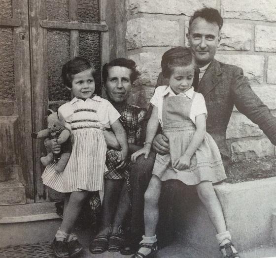 Émile Schneiders Tochter Marcelle mit Ehemann Marcel Jorré und den Töchtern Claude (links) und Annie