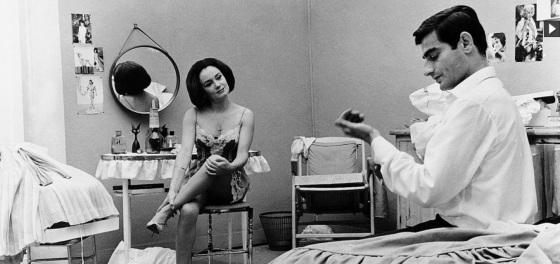 """Anna Gaylor und Charles Denner in Alain Jessuas """"La vie à l'envers"""" (1964)"""