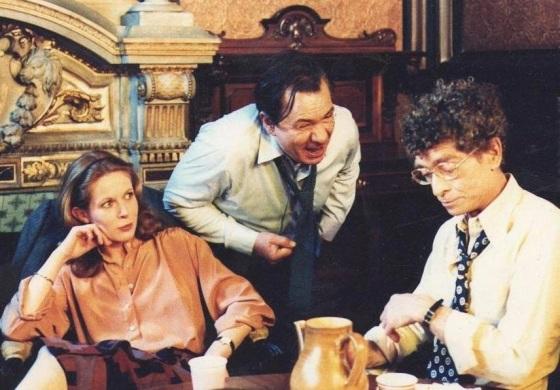 "Claude Jade, Michel Galabru und Darry Cowl in ""Le bahut va craquer"""